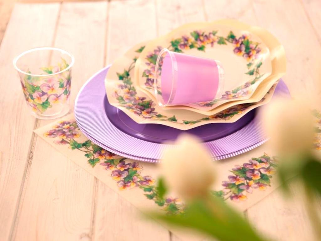 Tavola apparecchiata stile Violette